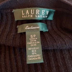 LIKE NEW SILK AND CASHMERE SWEATER